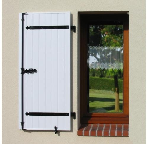 nos volets battants pvc novolet. Black Bedroom Furniture Sets. Home Design Ideas